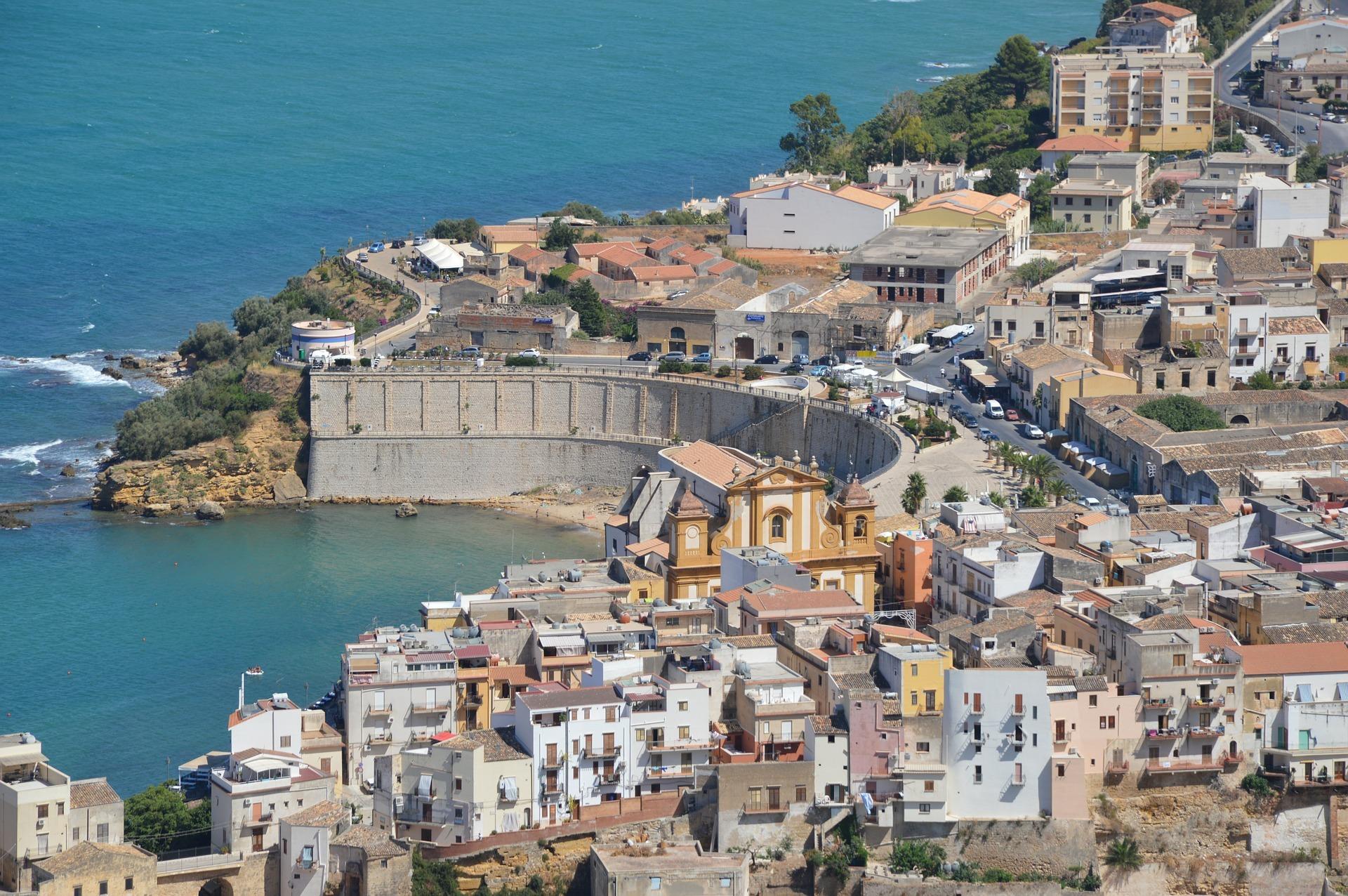 Sicilia; bertolaso